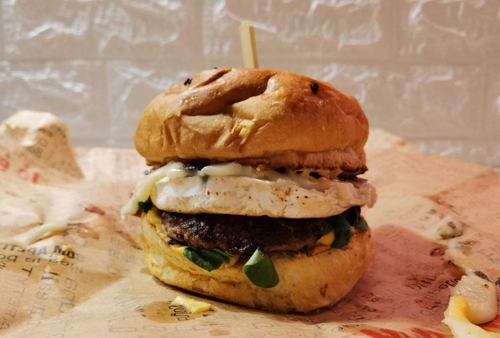 Pin Up Diner Cadillac Man Burger