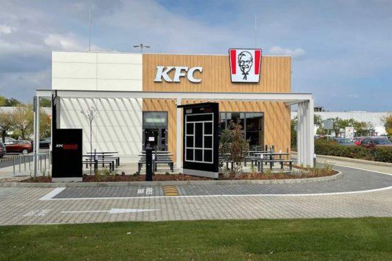 Akcióval nyit az új KFC Drive Thru étterem Debrecenben